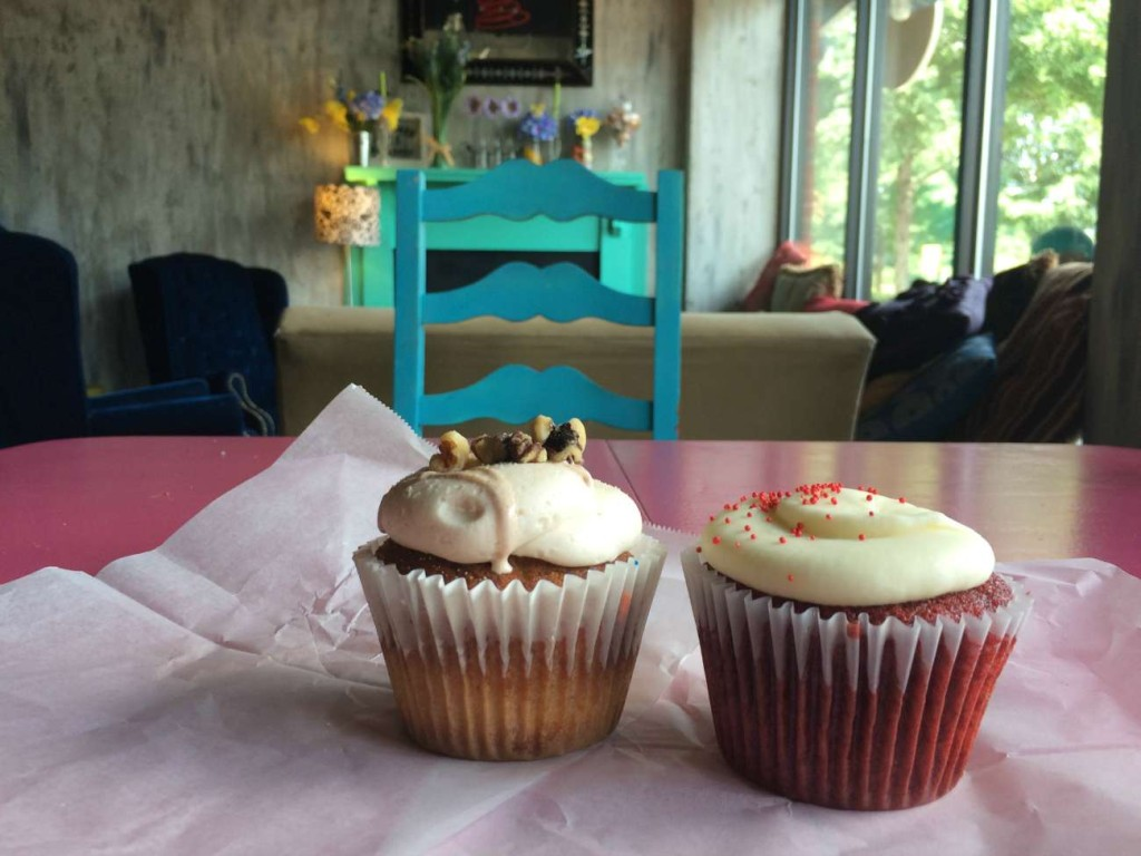 Cupcrazed Cakery: They bake and they're crazy.