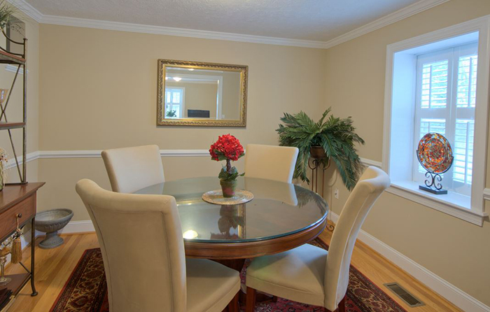 apartment dining table