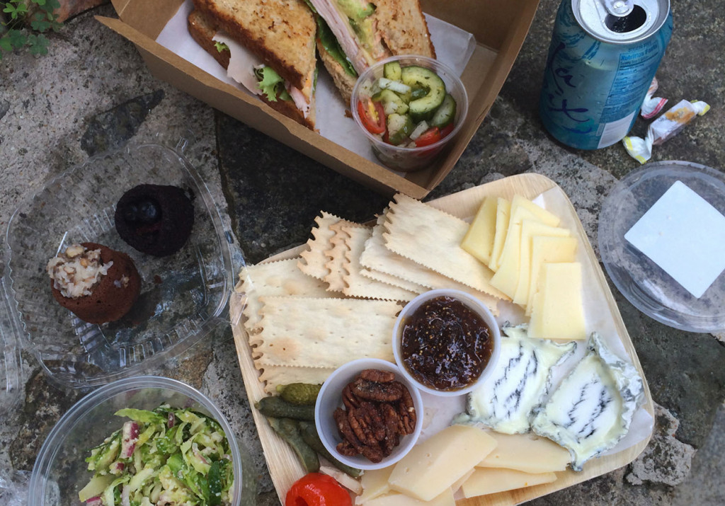 Lunch al fresco. How to have a spontaneous picnic in one of Charlotte's many parks.