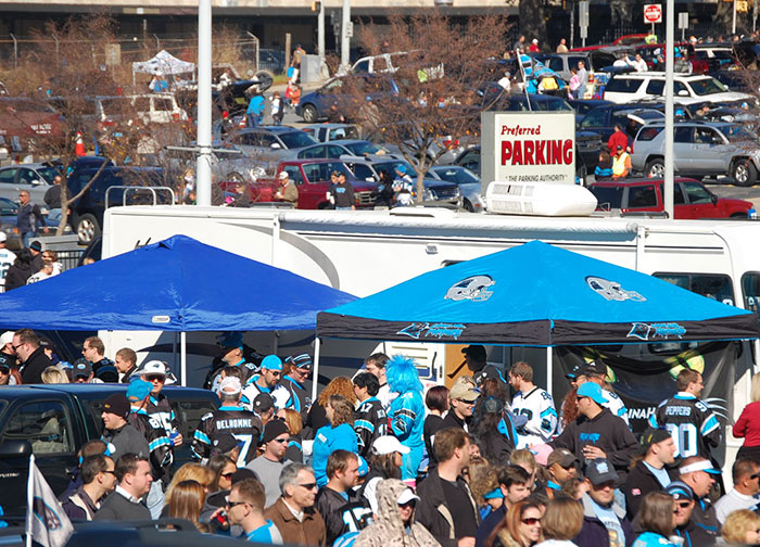 Panthers-tailgate-parking