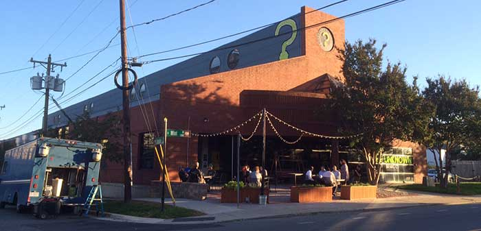 unknown-brewery-outdoor-patio-charlotte