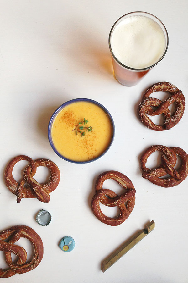 german-pretzels-beer-cheese-dip