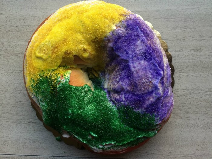 Behind the scenes at Suarez Bakery's massive king cake production for Mardi Gras