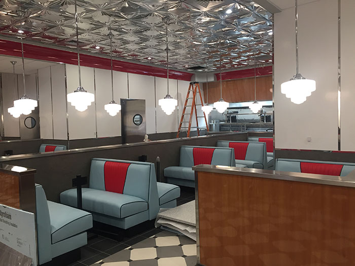 red-eye-diner-booths