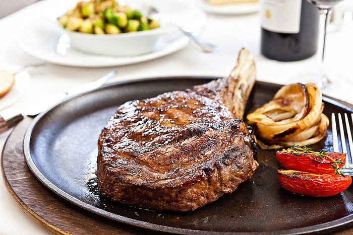 steak-at-oak-steakhouse-in-charlotte