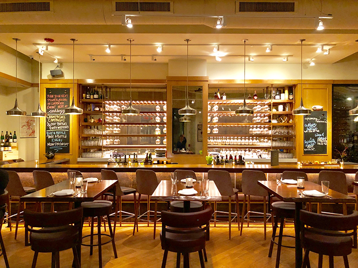 corkbuzz-wine-bar-in-southpark