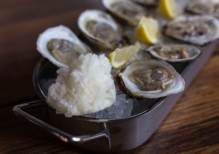 Oysters-&-Horseradish-Ice-at-hi-tide-poke-raw-bar-charlotte
