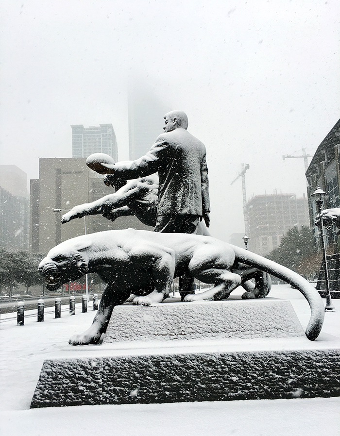 snow-richardson-statue-things-to-do