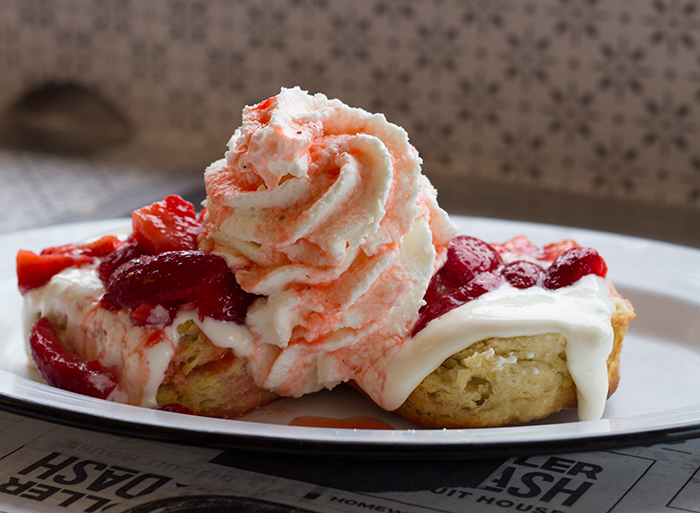 biscuits-strawberry-holler-and-dash