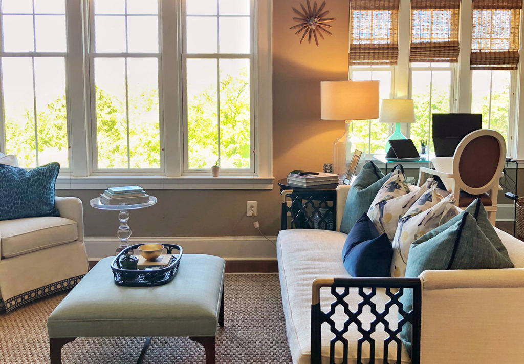 Home Tour: Sunny 900-square-foot Myers Park condo with 12 foot ceilings