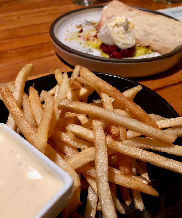 french-fries-at-customshop-restaurant-charlotte