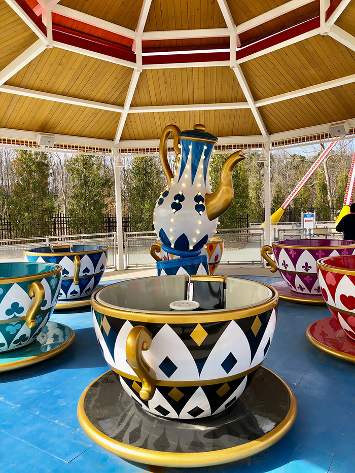 tea-cups-at-frankie's-fun-park-in-south-end