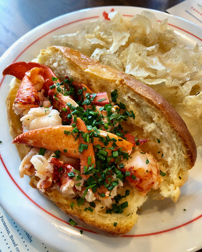 lobster-roll-charlotte-nc-red-plaza-midwood