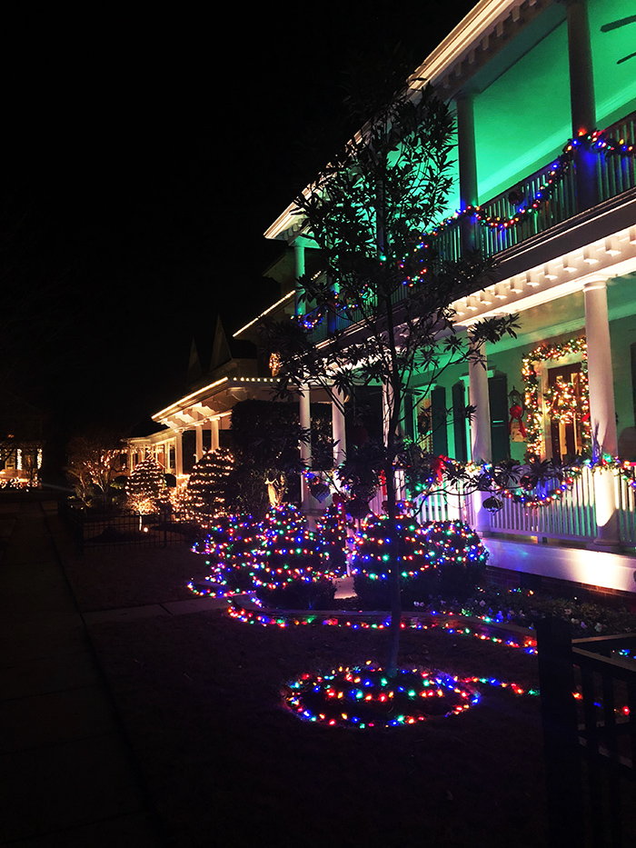 Ardrey-Christmas-lights-1