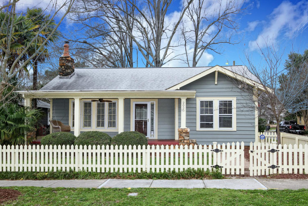 House hunting? Top 10 open houses this weekend, including a blue Midwood cottage asking $405K