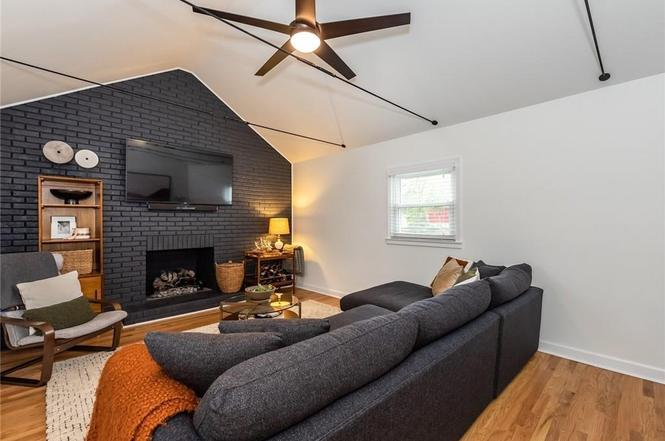 1520 Starbrook Drive family room
