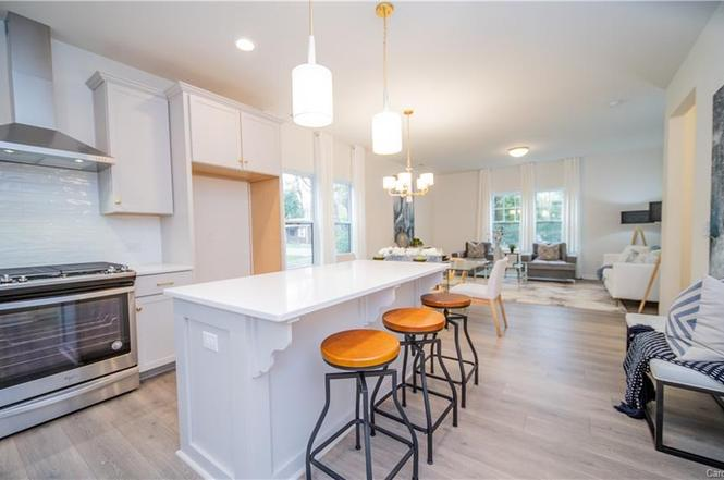 3200 Cosby Place kitchen