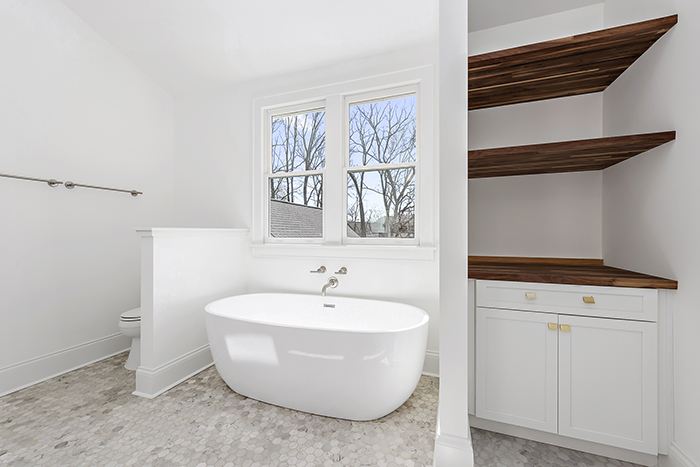 2020 Finalist- Modern Farmhouse bath