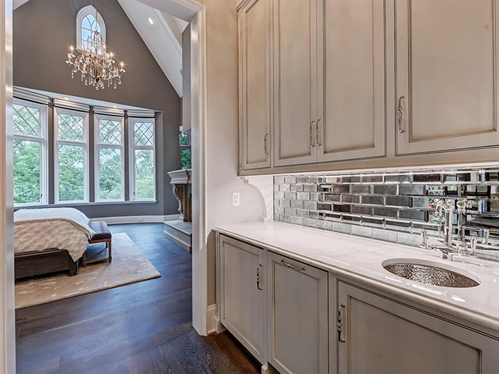 154 Tennessee Circle owner's wet bar