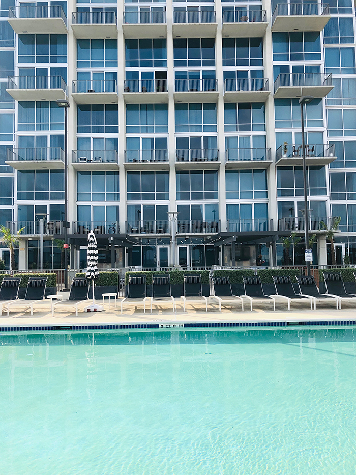 The VUE in Uptown pool