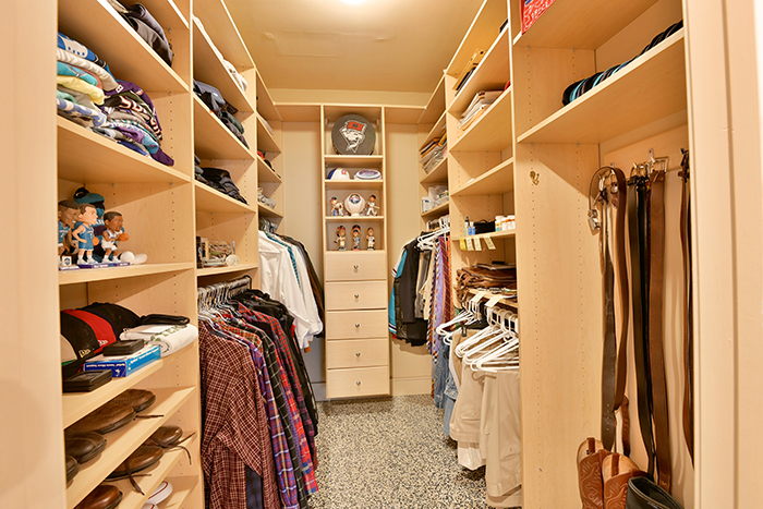 400 N Church St UNIT 213 Flex Closet