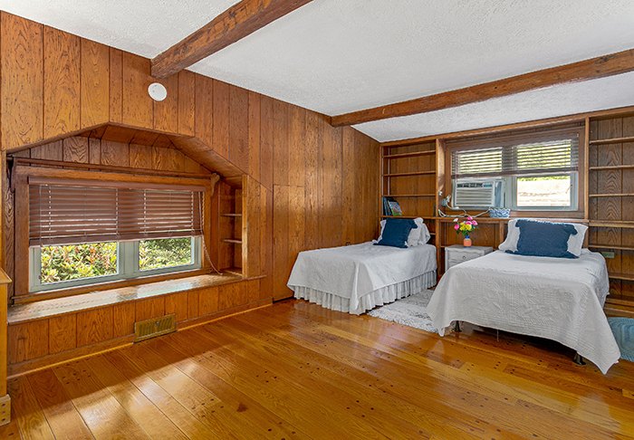 Billy Graham's house for sale Montreat NC double beds